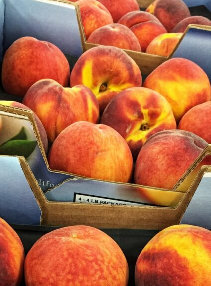Peachy-keen ways to eat deliciously well this summer