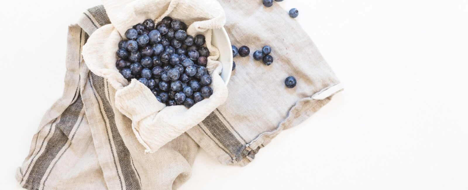 Get the Skinny in the Kitchen with Ben McLauchlin of Swerve   Blueberry Cheesecake Bar